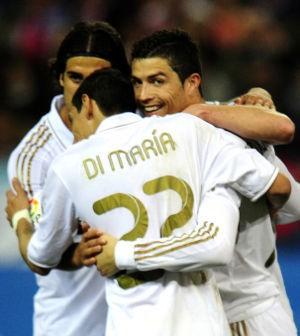 Ronaldo Hat-trick, Madrid Jauhi Barca Lagi