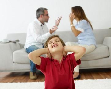 9 Aturan Jika Harus Bertengkar Di Depan Anak Bag 2