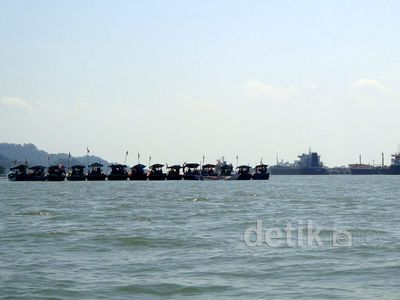 Solar Langka, Nelayan Blokir Jalur Laut