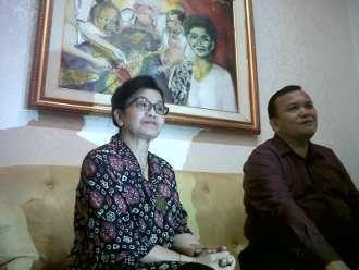 Brak! Wantimpres Siti Fadilah Gebrak Meja Hakim