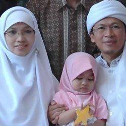 Keluarga Rela Teh Ninih Jadi Istri Kedua