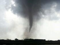 Tornado Terjang Jepang