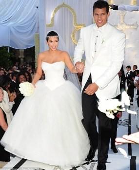 Kris Humphries Mengulur-ulur Perceraiannya dengan Kim Kardashian?