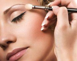 Tips Menggunakan Eye Shadow dengan Benar