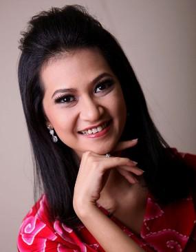 Kisah Angkie Yudistia, Wanita Tunarungu Menembus Batas (1)