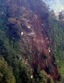 Tim Evakuasi Perlu Turun 150 M Lagi Untuk Temukan Black Box