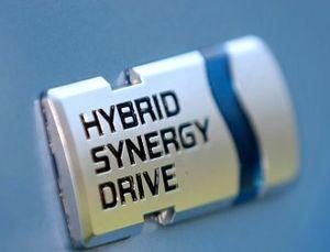 SBY Ngebet dengan Mobil Hybrid