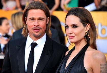 Angelina Jolie Hadiahi Brad Pitt Helikopter