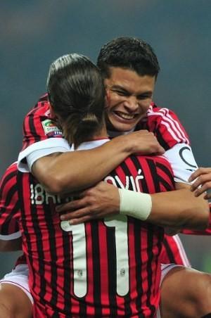 Thiago Silva Dipertahankan, Ibrahimovic Senang