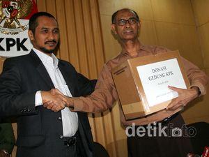 Mantan Jaksa Agung Dukung Donasi untuk KPK