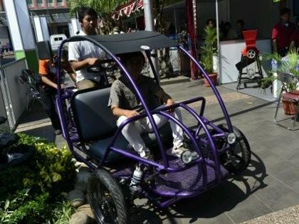 Keren, Becak Motor Berbahan Bakar Gas