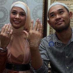 Keluarga Suami Tak Restui Pernikahannya, Ini Jawaban Rachel Maryam