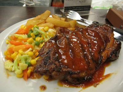 Ini Dia Steak yang Menggoyang Lidah Namun Ramah di Kantong!