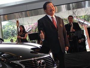 Johnny Ditanya KPK Soal Pembelian Mobil Lexus
