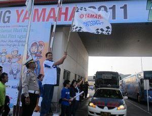 Kurangi Kecelakaan Lalu Lintas, Yamaha Mudik Bareng Naik Bus
