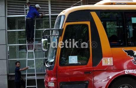 Pelaku Penembakan Busway Cawang Otista Diduga Pakai Senjata Angin