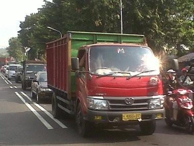 Kendaraan Bermotor Mulai Padati Jalan ke Arah Semarang