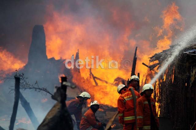 Jelang Pagi, 2 Kebakaran Terjadi di Jakarta Barat