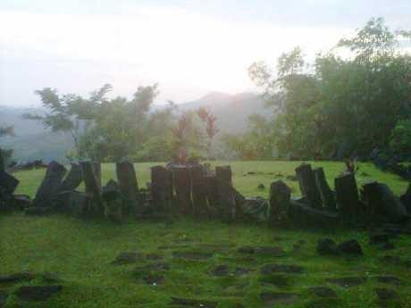Gunung Padang, \Keajaiban\ dari Situs Berusia 500 Tahun Sebelum Masehi