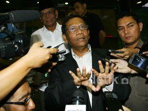 Mahfud MD dan Hasyim Muzadi Sambangi KPK
