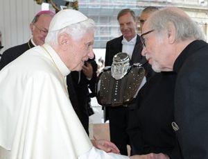 2 Tangki Motor Harley Diberkati Paus Benediktus XVI