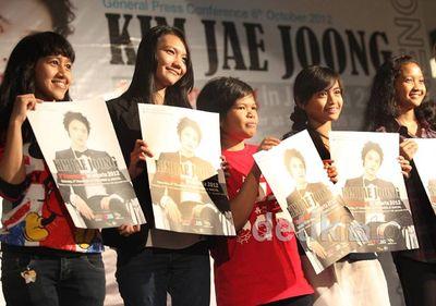 Fans Antusias Menanti Kim Jaejoong Tampil di Jakarta