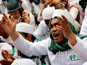 FPI Tolak Kemungkinan Ahok Pimpin Lembaga Islam