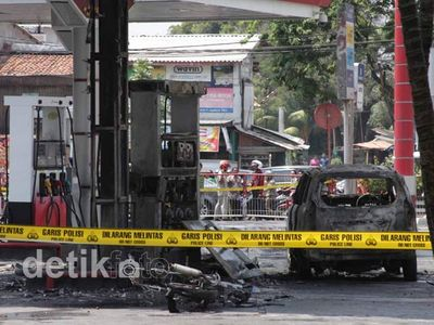 SPBU Pangeran Jayakarta Meledak & Terbakar