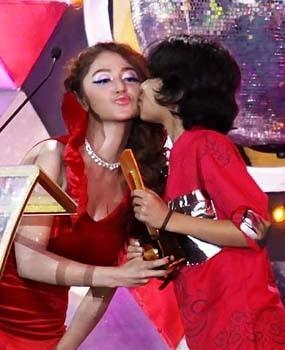 Cium Dewi Persik, Bastian \Coboy Junior\ Speechless