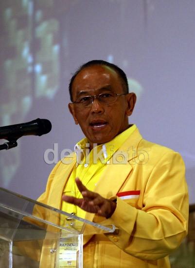 Pantun Politik Ical Menjaga Asa ke Pilpres 2014