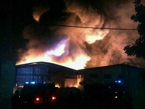 Kebakaran Pabrik di Medan Dipicu oleh Ledakan Boiler