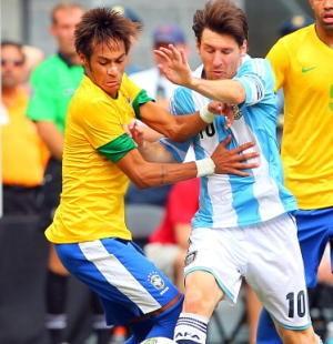 Fantasi Neymar Tentang Messi dan Ronaldo