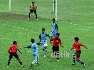 SMPN 4 Semarang Juara Liga Pendidikan Indonesia 2012