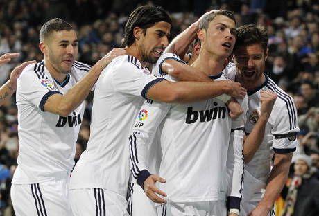 Madrid Jauh Di Belakang Barca Benzema Liga Belum Selesai