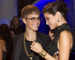 Balikan, Justin Bieber Makin Mesra dengan Selena Gomez