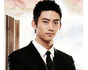 Foto: Taecyeon, Si Seksi dari Boyband Korea, 2PM