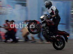 Honda CB150R StreetFire Hanya Butuh 10,3 Detik Libas 201 Meter