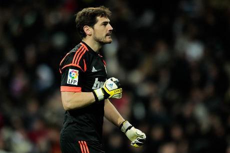Casillas Lebih Baik dari Buffon di 2012
