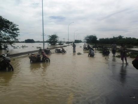 Tol Merak Masih Direndam Banjir 1 Meter, Macet Mengular Hingga 15 Km