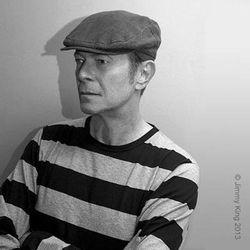Single Baru David Bowie Dicekal Tangga Lagu Inggris