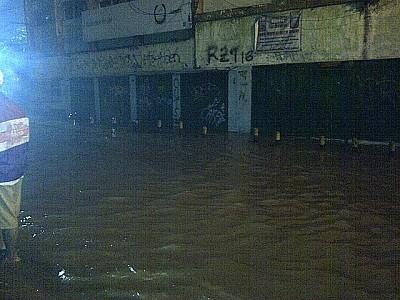 Banjir di Kampung Pulo Belum Surut, Jatinegara-Matraman Masih Ditutup