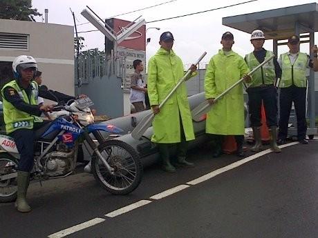 Antisipasi Banjir, Daihatsu Siapkan Perahu Karet di Sunter