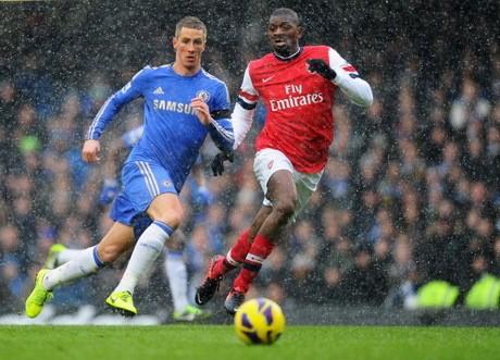 Chelsea Atasi Arsenal 2-1