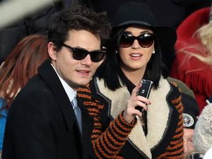 Kemesraan Katy Perry & John Mayer di Pelantikan Obama