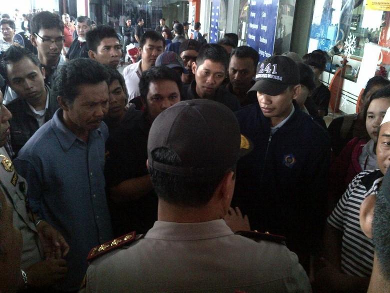 Penumpang Batavia Air Terlantar di Terminal 1C Bandara Soekarno-Hatta