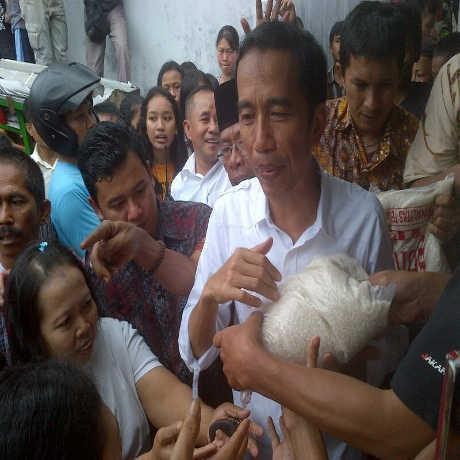 Kisah Jokowi dan Filosofi Pangku