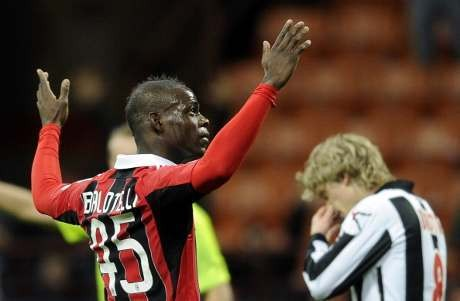 Balotelli Dua Gol, Milan Tundukkan Udinese 2-1
