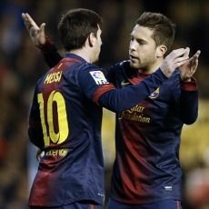 Messi yang Tetap Membumi Bikin Alba Kagum