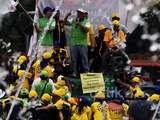 Karyawan Indosat Demo di Bundaran HI