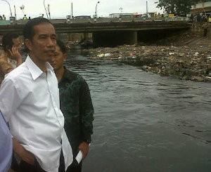 Jokowi Jadikan Kali Pakin Sebagai Kali Percontohan